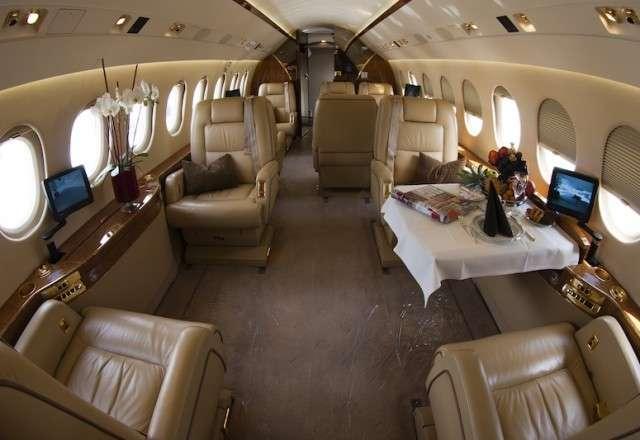 Flight Charters Falcon 2000EX Private Jet