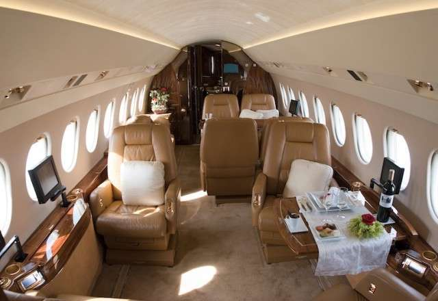 Flights on Falcon 2000 Private Jet