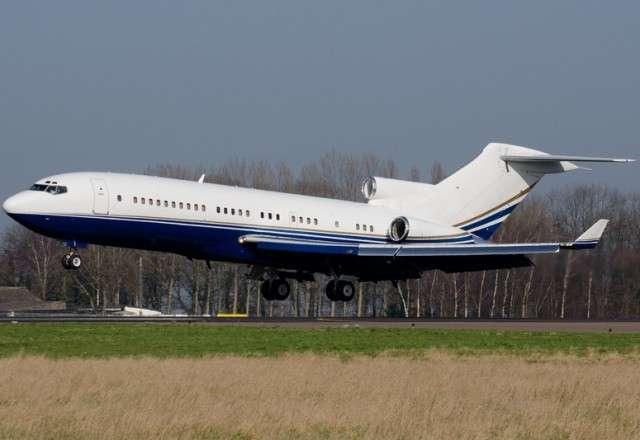Boeing 727 VIP charter flight taking off