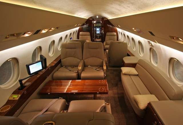 Luxury Charter Falcon 2000 Jet