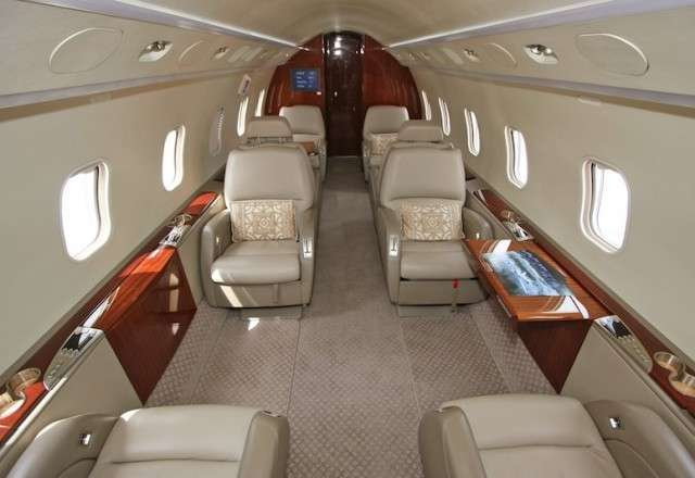 Challenger 850 Private Flight
