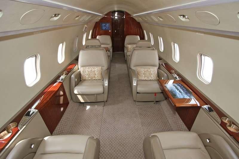 Challenger 850 Private Flight