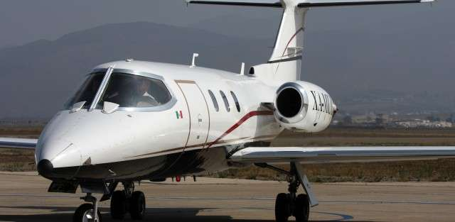 Lear 25 jet charter