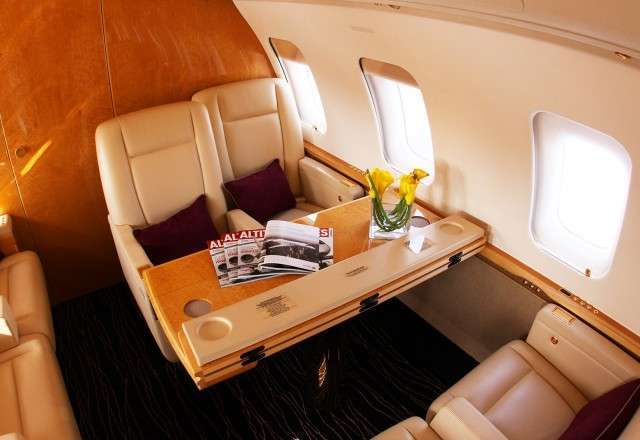 Charter Challenger 605 Private Jet