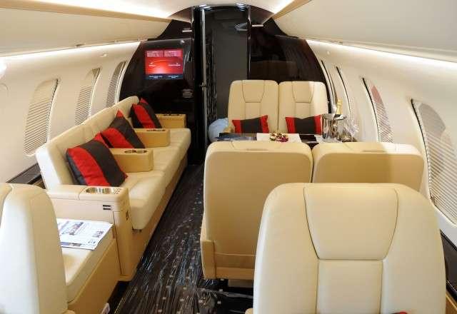 Private Flights Challenger 605