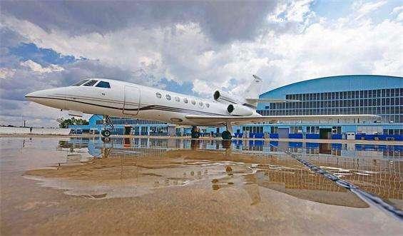 Charter Falcon 50 Jet Exterior