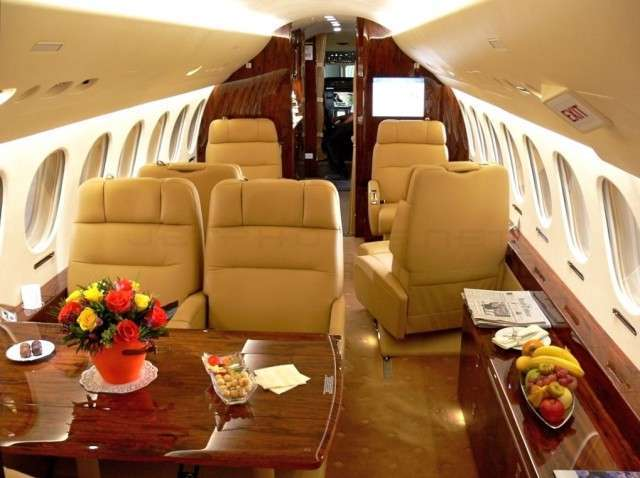 Private Falcon 7X Jet Flight