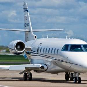 Private Planes for Rent: The Super-Midsize Jets