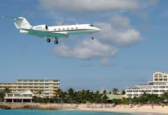 Charter flight Gulfstream IV private jet