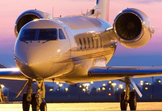 Charter a Gulfstream 4