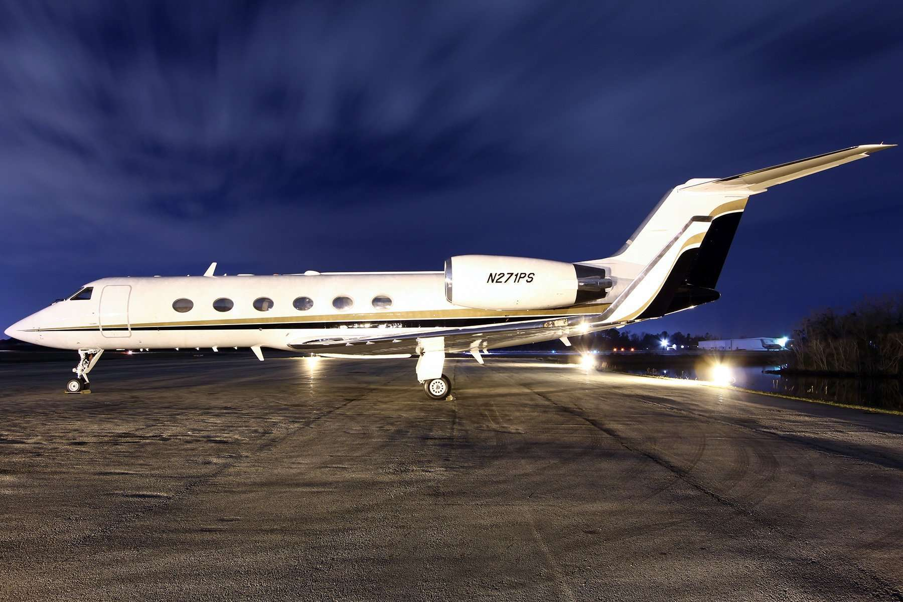 Gulfstream GIV Private Jet Charter  Stratos Jet Charters