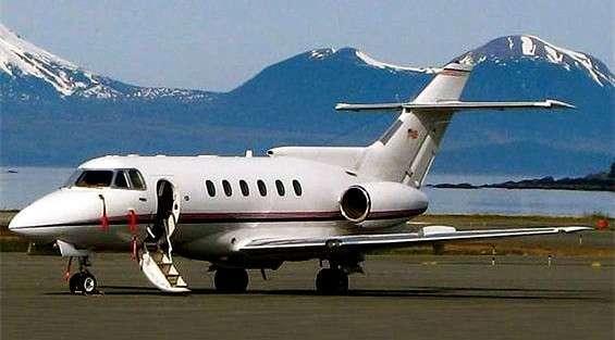 Hawker 700 Charter Flights