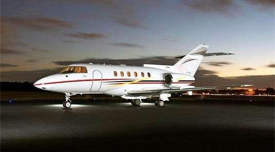 Book hawker 800 Private Jet