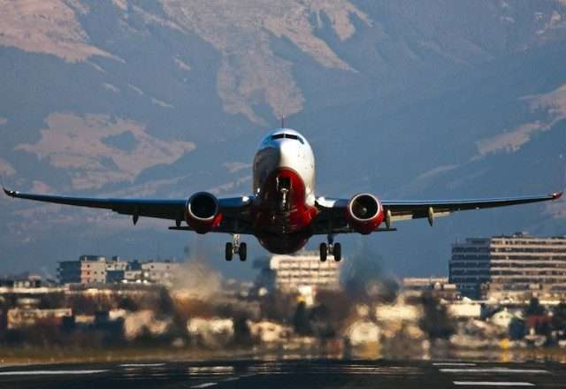 Boeing 737 private jet charters