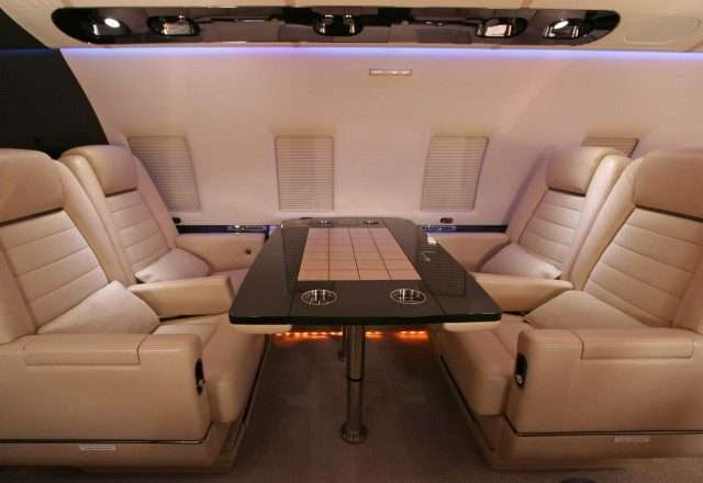 Bombardier Challenger 600 interior