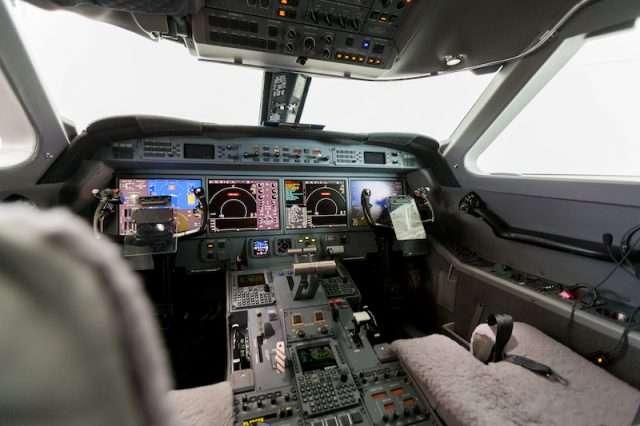 jet charter cockpit