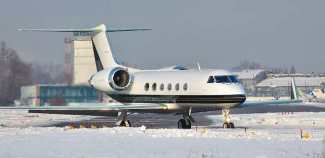 Flying private jet services in icing conditions
