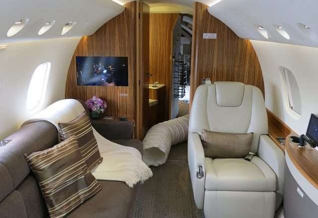 768px-Embraer_Legacy_650_Interior_Aft_Cabin