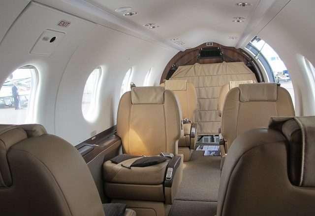 1024px-Pilatus_PC-12_cabin_interior