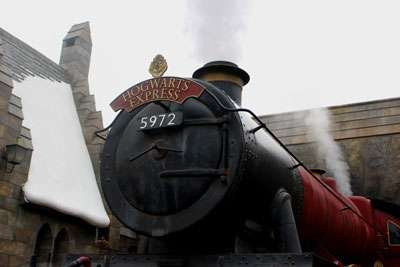 private-jet-charter-hogwarts-steam-engine