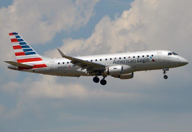 American_Eagle,_N407YX,_Embraer_ERJ-175LR_(20181377525)